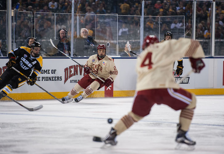 DU view action hockey shot
