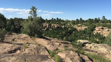 Castlewood Canyon, about 40 minutes from DU, makes a great day trip. Photo by Kellsie Brannen | Clarion