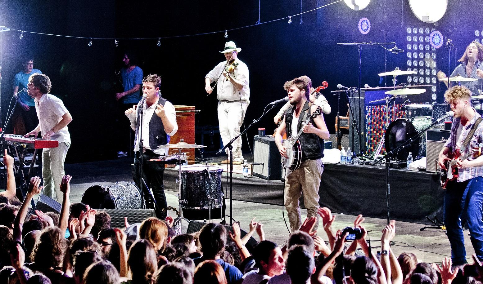 Mumford_&_Sons_in_Teatro_Romano_Verona_2012_edited