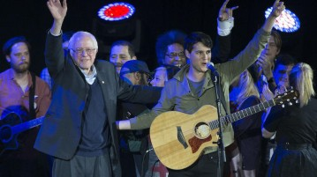 Democratic presidential candidate Bernie Sanders teamed up with Vampire Weekend frontman Ezra Koenig for a rally in Iowa this February. Photo courtesy of digital.vpr.net.